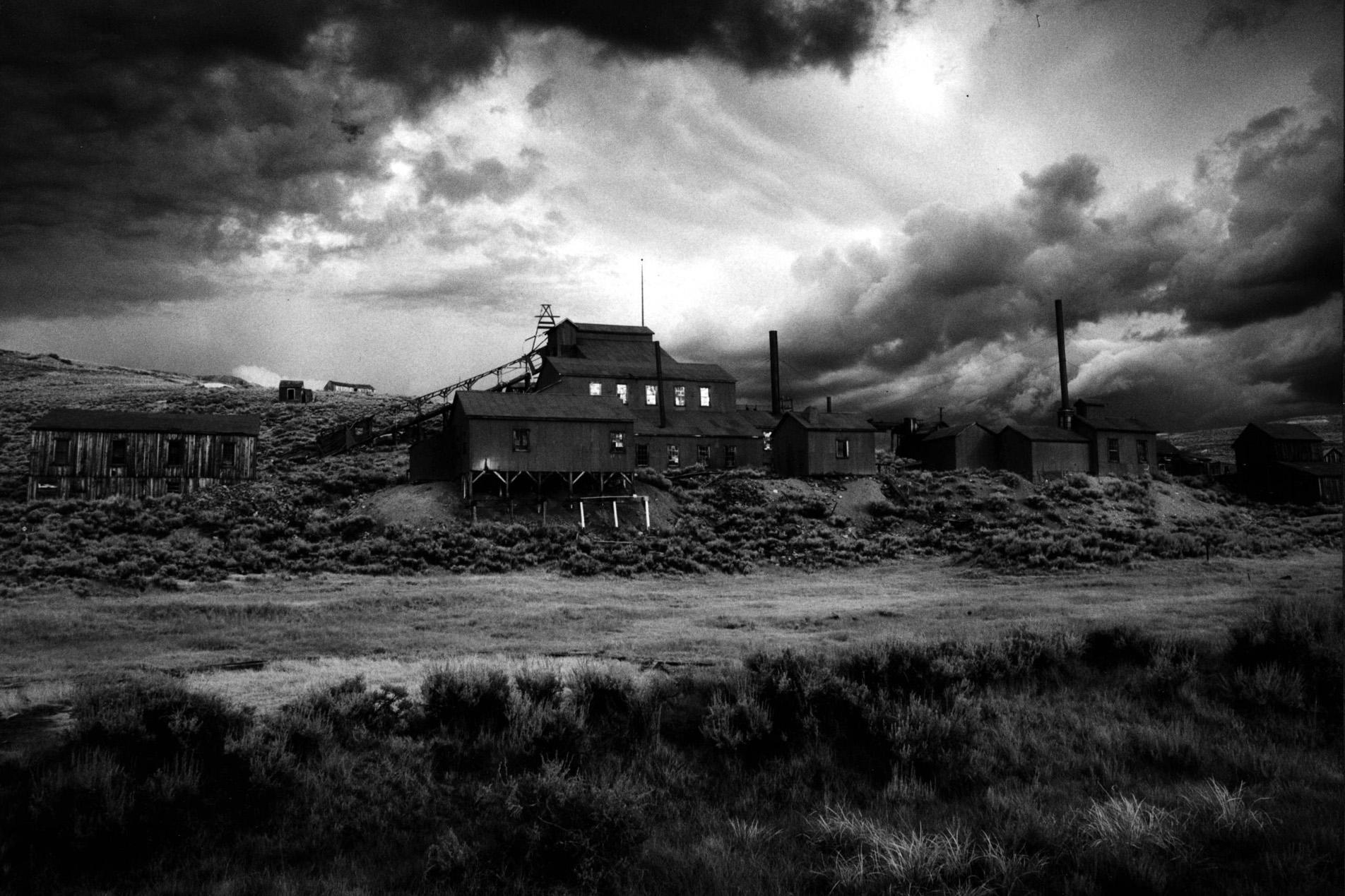 Deserted • Eerie Soundscape Generator