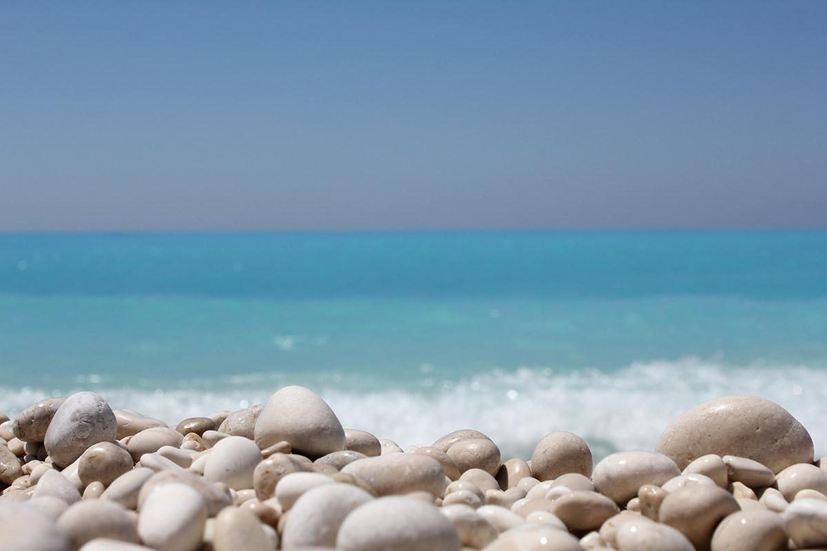 Pebble Beach • Soothing Ocean & Waves Sound Generator